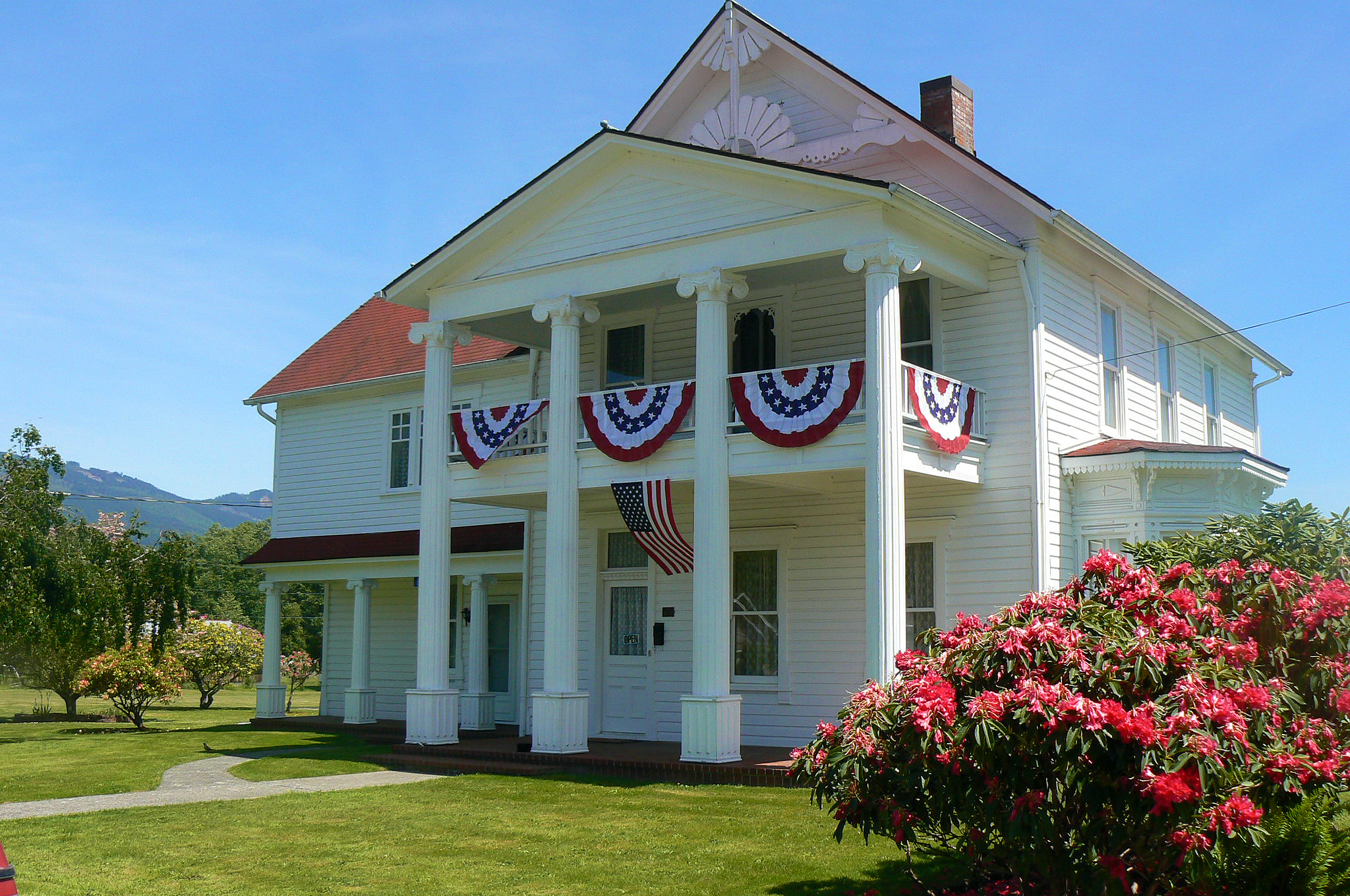 Town-of-lyamn-mansion